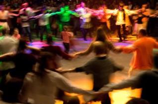 Guzsalyas Bp-en – táncház a Gondzóban
