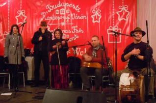 Ádventi koncert a Vörösmarty téren