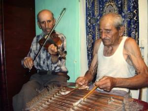 hegedű és kiscimbalom  Bogdanyest / Bogdaneşti (Moldva)