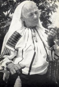 Miklós Gyurkáné Szályka Rózsa énekes. Klézse (Moldva)