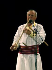 """László """"Legedi"""" István (1948, Klézse) tilinkán játszik. Kecskemét, 2007. 09. 21."""