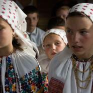 Csángó leányok - Pusztina (Moldva)